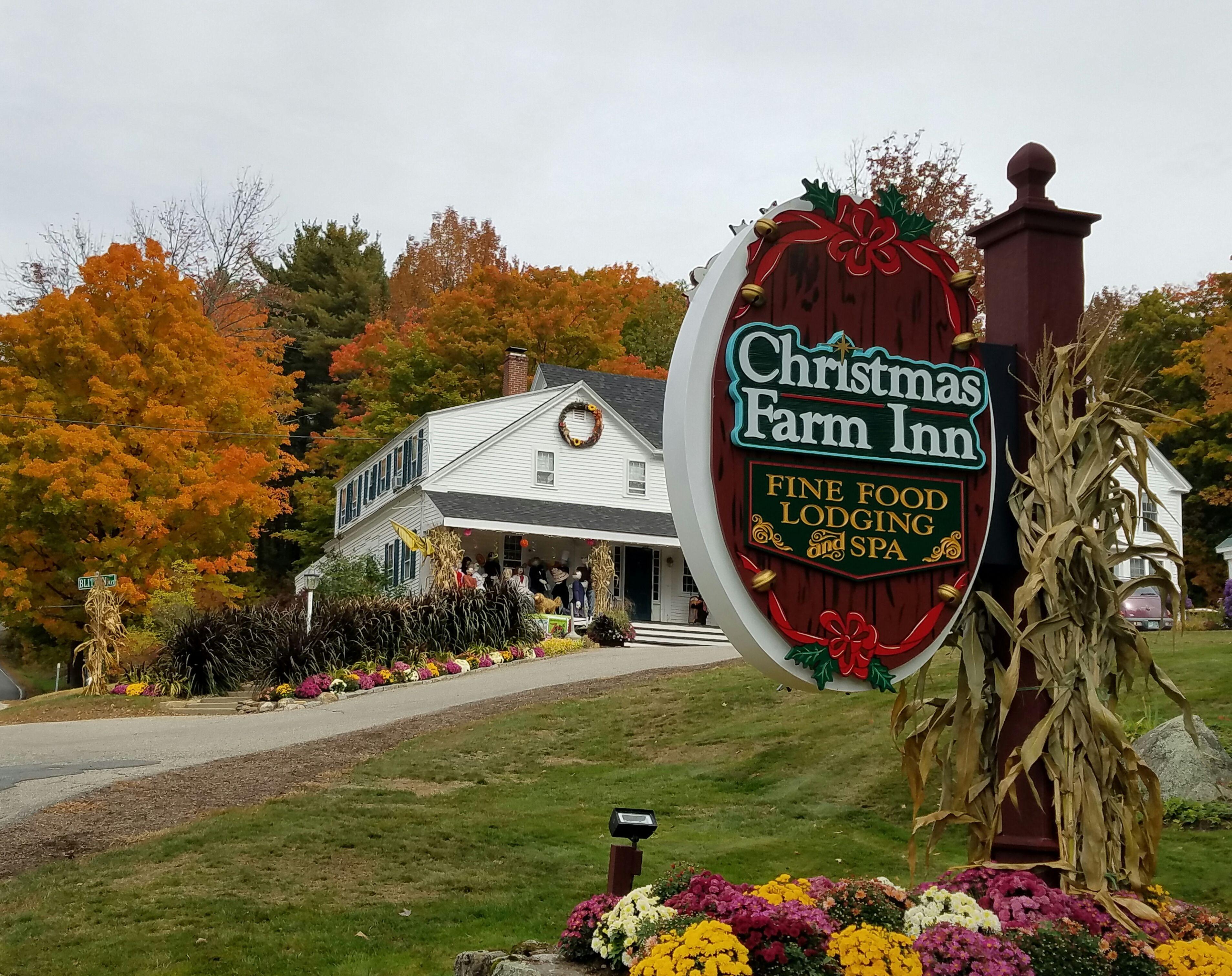 Fall In New Hampshire Christmas Farm Inn Spa In Jackson Nh Christmas Farm Christmas In England New England Fall