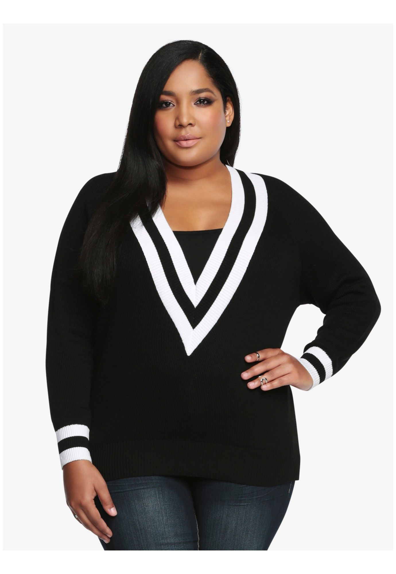 Take a plunge off the deep end. This fashion-savvy plus size pullover is a perfect way to pull off a put-together look. #cozy #sweater #winter #plussize