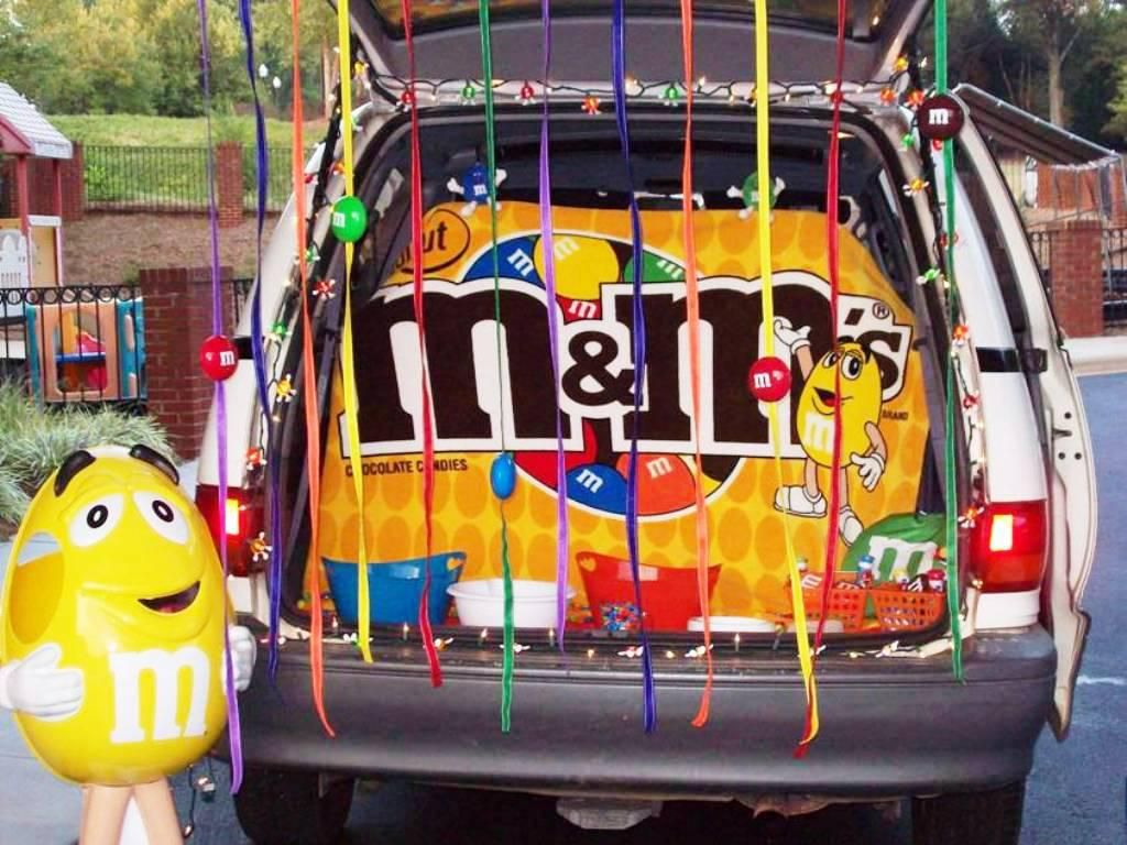M&M trunk or treat | Trunk or Treat | Pinterest | Halloween ideas ...