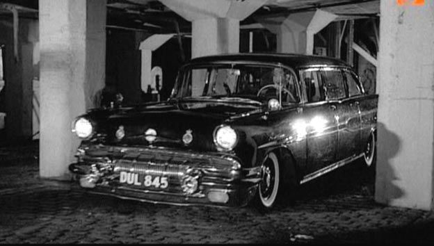 Pontiac Super Chief 4dr sedan