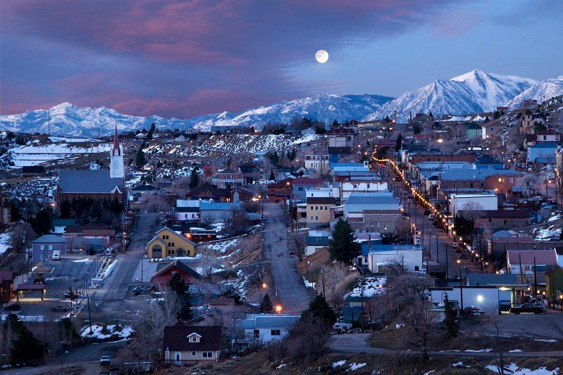 Experience An Old World Christmas At The Historic Village Of Virginia City In Nevada Virginia City Nevada Travel Nevada Homes