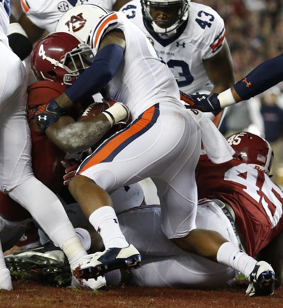 No. 2 Alabama surges past No. 15 Auburn, 5544 Alabama