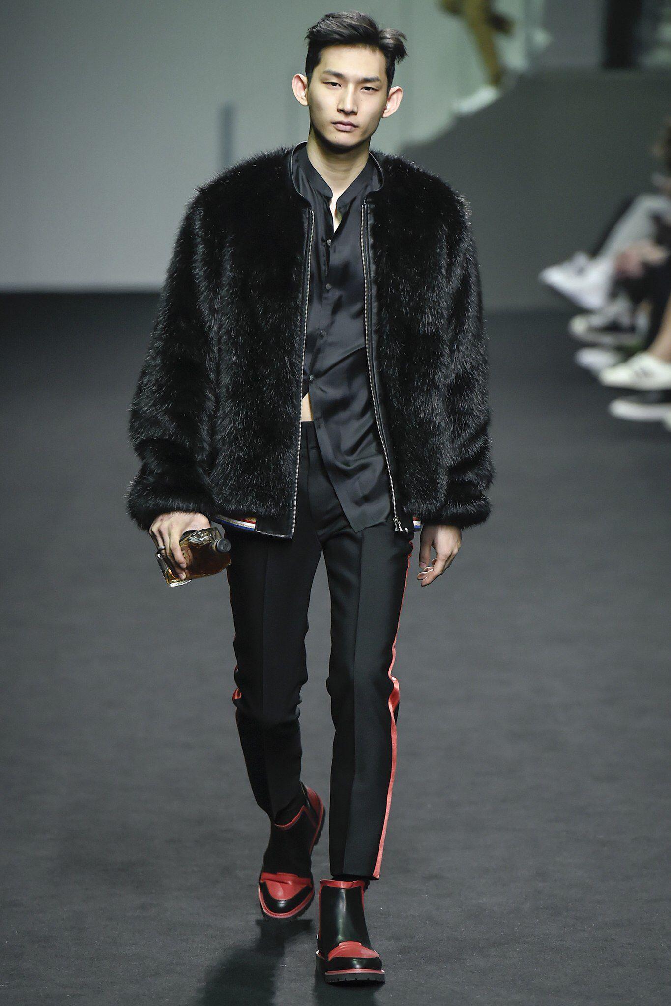Beyond Closet Seoul Fall 2016 Fashion Show Korean