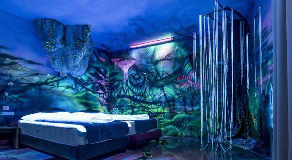 Zimmergestaltung  Eine Kunst in Leuchtfarben – eine Inspiration für spektakuläre ...