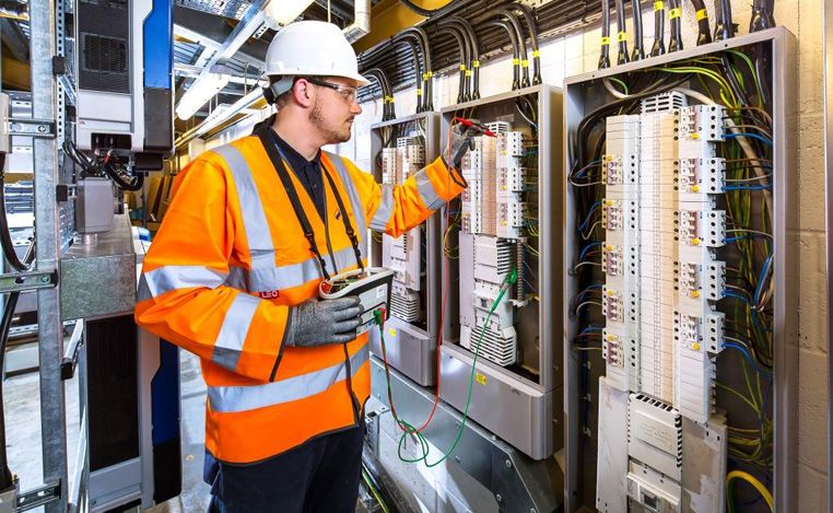 Best Professional Electrical Contractor Crawley