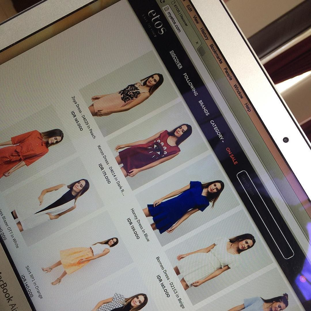 Now launched! myetos.com. E-catalog picts captured by INBOUND INDONESIA! Congratulation @etosindonesia #ecommerce #fashion #fashioncatalog #localbrand #localbrandindonesia #photography #photographyservice #studio #studiophotography #indonesia #indonesia_photography #empoweringindonesia #inboundindonesia by inboundindonesia