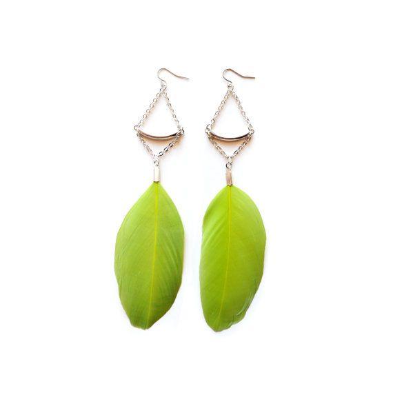 Lime Green Feather Earrings Silver Geometric por BooandBooFactory
