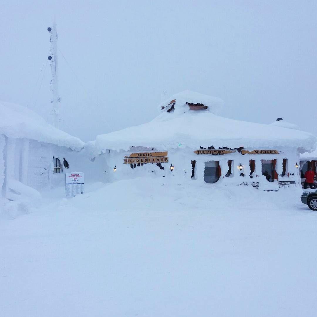 Päätoimittaja vierailulla tänään Kaunispään Huipussa. Lunta riittää Saariselällä!  Enough snow in Saariselkä, Lapland #kotimaassa #nelostie #e75lapland #saariselka