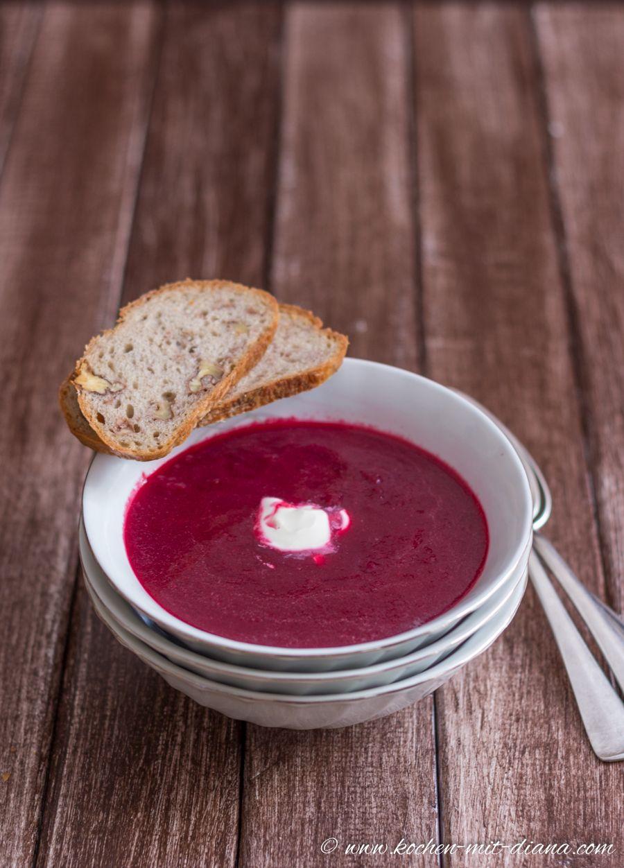 Rote Bete Suppe von Diana  Zutaten: Rote Bete, Knoblauchzehen, Zwiebel, Butter, Gemüsebrühe, Salz, Pfeffer, Crème fraîche #gutelaunevitamix