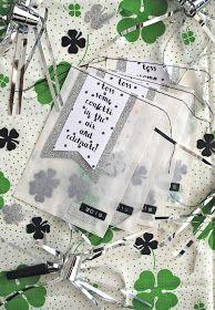 Für einen guten Start ins neue Jahr haben wir ein paar Glückstüten mit Kleeblatt-Konfetti gebastelt...     Ich hoffe, ihr seid alle gut...