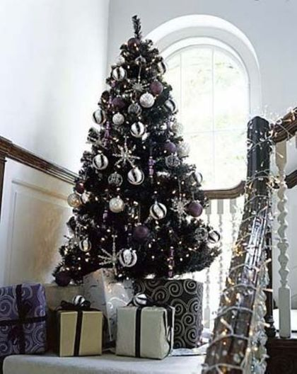 22 Unique Black Christmas Tree Décor Ideas #blackchristmastreeideas