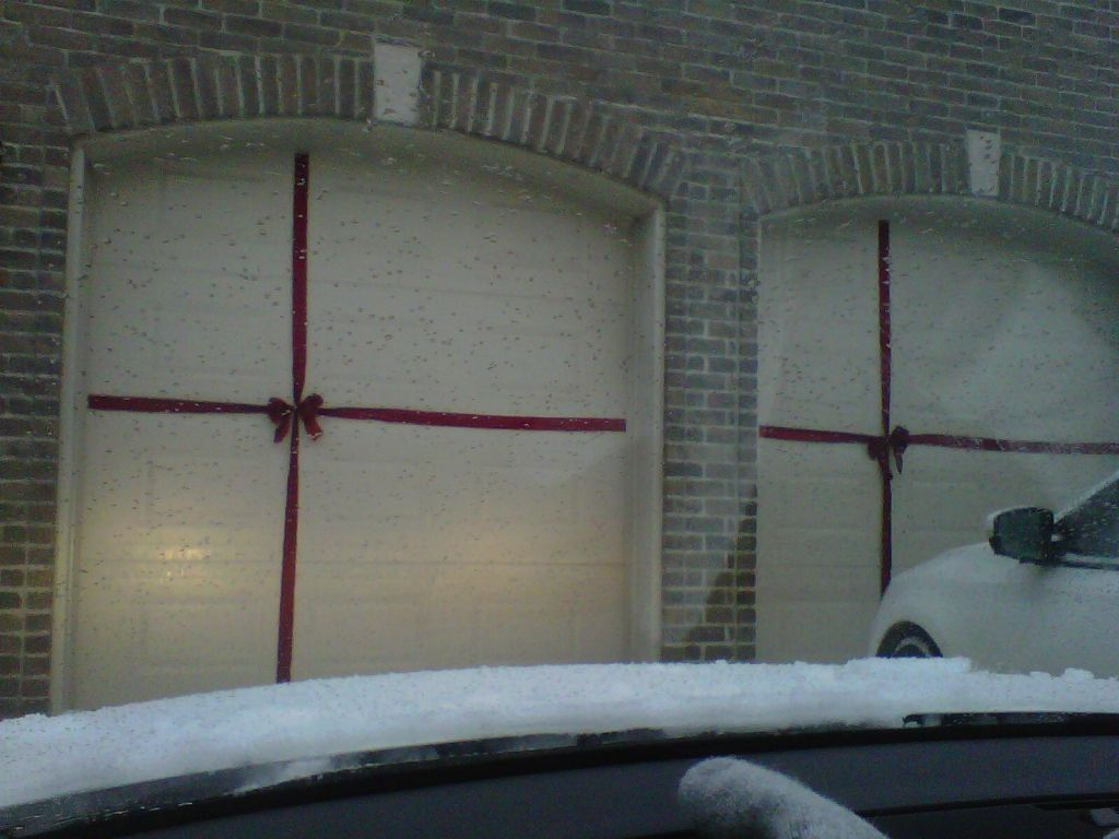 Gift Wrapped Christmas Garage Door I Ll Be Doing This