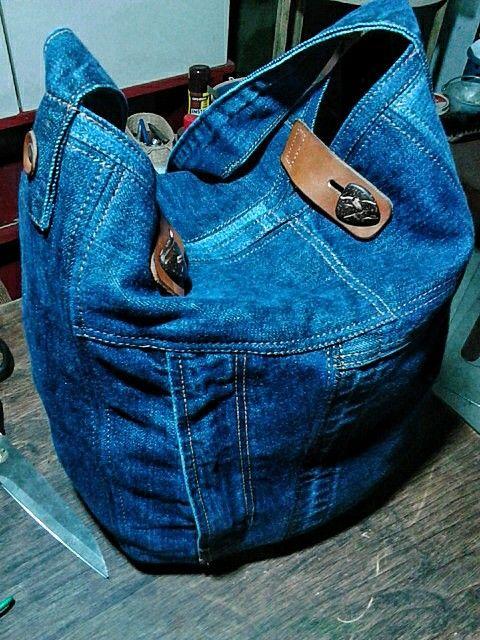 Bolsa de lona reciclada. Upcycled denim bag