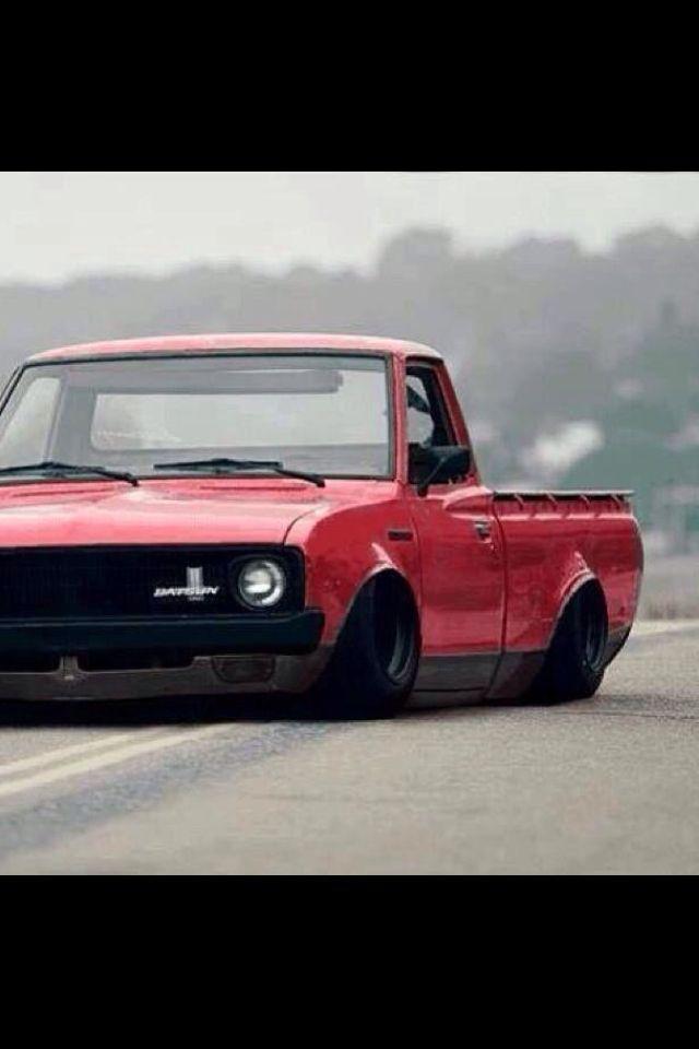 Slammed Datsun 521