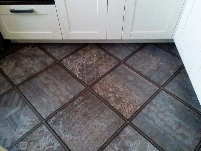 Пол на кухне [Гайд по выбору +86 фото] - Ламинат vs Плитка ...