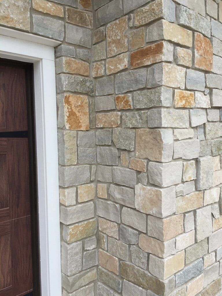 English Tudor Dons In 2019 Exterior House Siding Stone