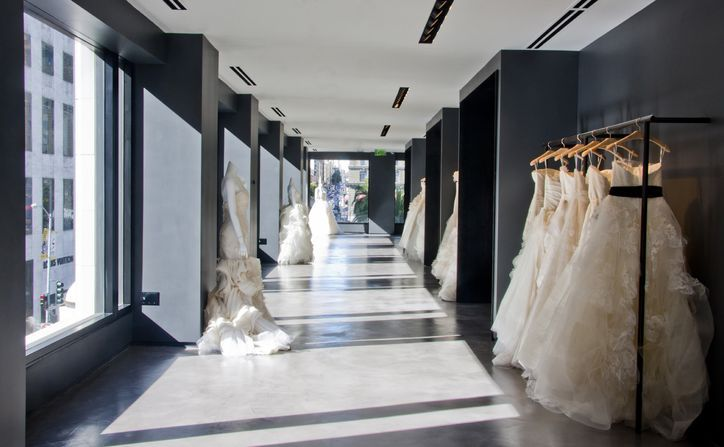 Exclusive Here S A Sneak Peek At Vera Wang S New Store It Looks Amazing Bridal Boutique Interior Bridal Shop Interior Wedding Dress Store