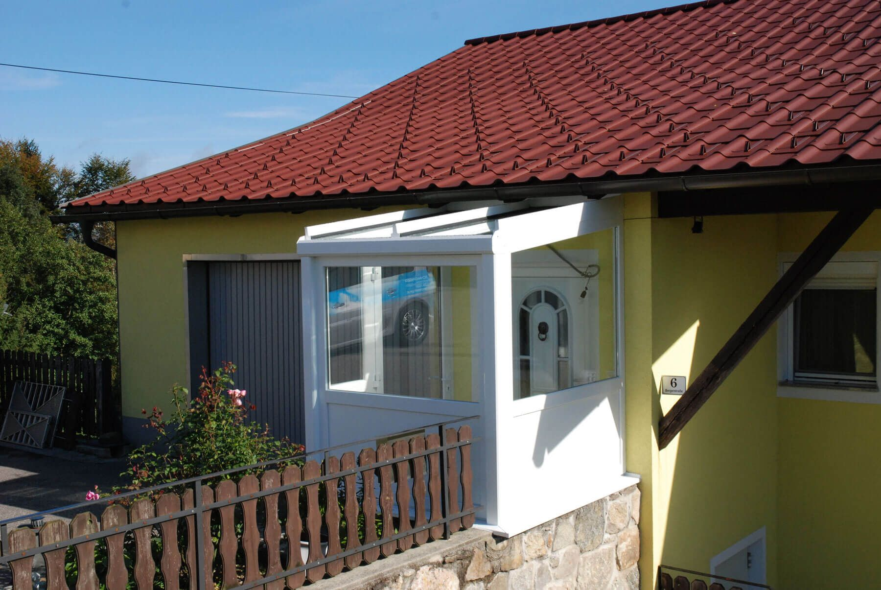 Hauseingang Windfang Kunststoff Mit Aluminium Dachkonstruktion