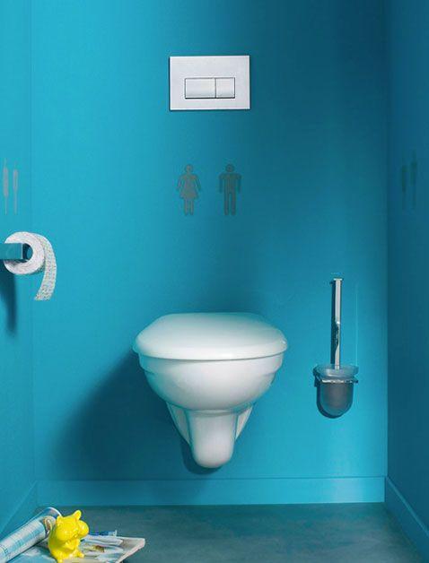 Peinture WC bleu azur et pochoir signalétique WC