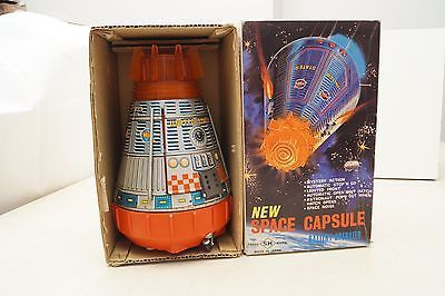 Vintage-Japan-Tin-Battery-Operated-S-H-Toys-NEW-SPACE-CAPSULE