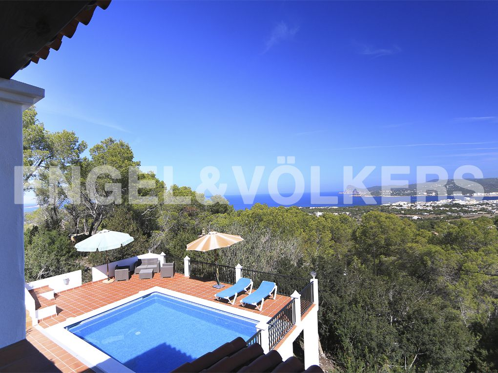 NEW PROPERTY OF THE WEEK: Charming villa with panoramic views #ibiza http://www.engelvoelker.com/es/ibiza/cala-bassa/charming-villa-with-panoramic-views-w-00a1ku-468606.1061601_exp/?startIndex=0&objectID=468606.1061601&businessArea=&contactReason=visit&q=&facets=bsnssr%3Aresidential%3Bcntry%3Aspain%3Bdstrct%3Aibiza%3Blcncr%3Acala_bassa%3Bobjcttyp%3Ahouse%3Brgn%3Aibiza%3Btyp%3Abuy%3B&linkContactReason=visit&origin=exposee&pageSize=10&language=en&elang=en