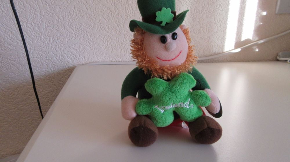 5  Irish Shamrock Pals Leprechaun Soft Toy With Green Shamrock