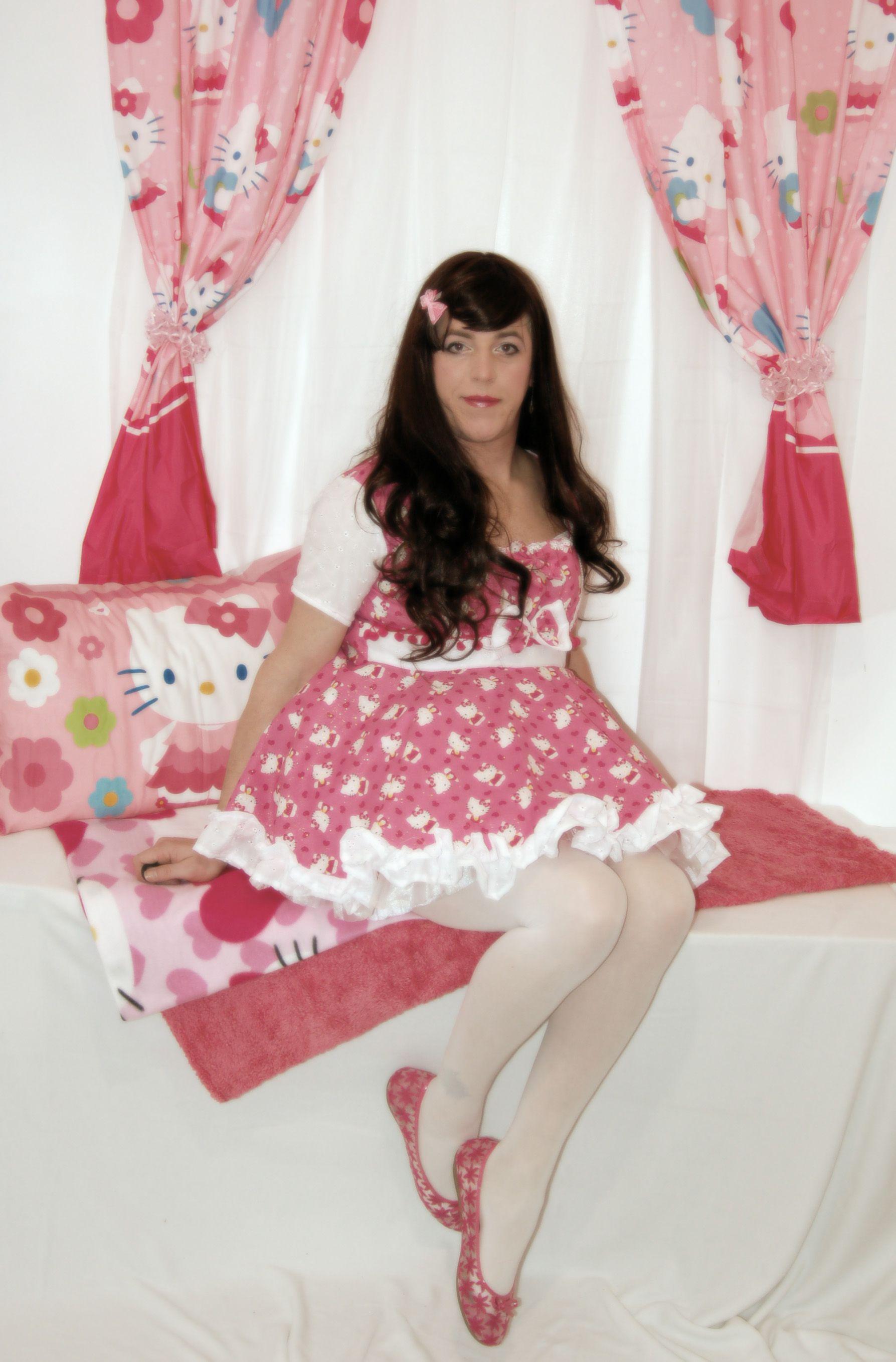 Hello Kitty again... - Imgur