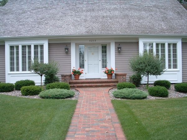 House & landscape a house symmetrical house - Google Search | House and Yard ...