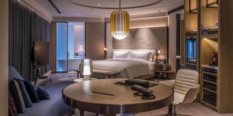 InterContinental Superior Suite Hotels room, Hotel