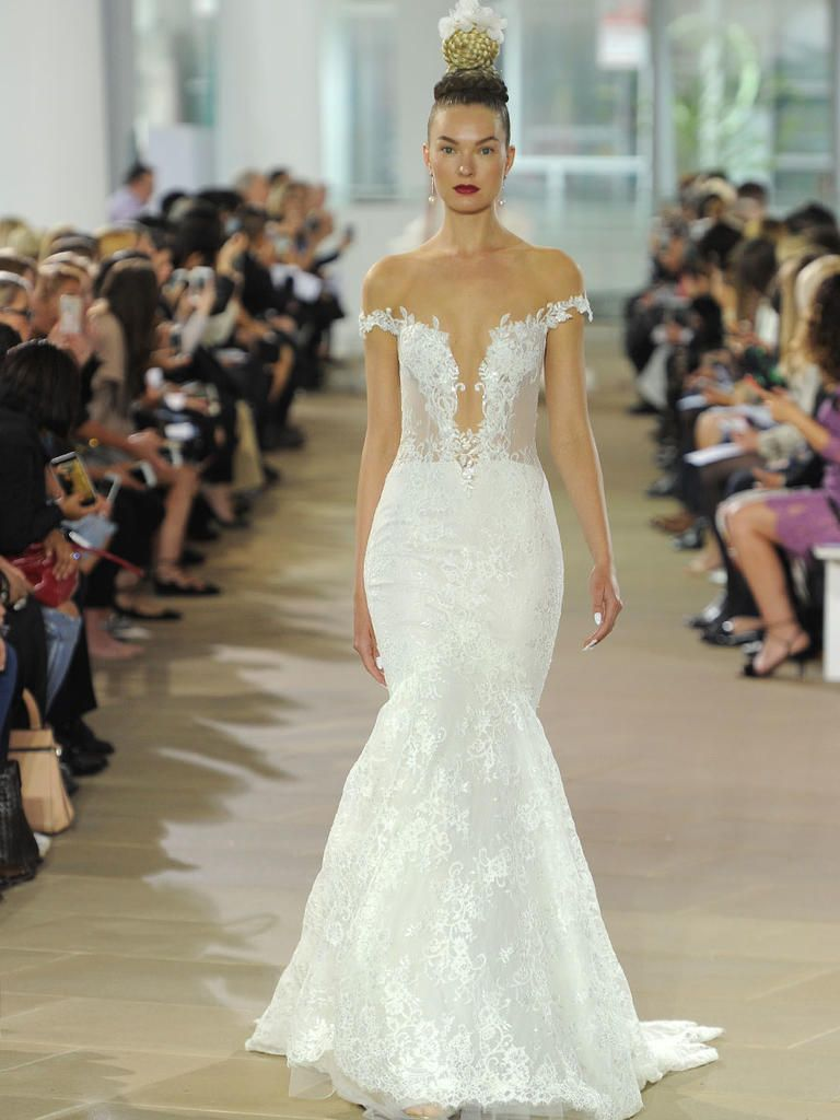 b0443d6207ee Ines Di Santo Spring 2018  Classic Gowns Meet Extra-Luxe Details ...