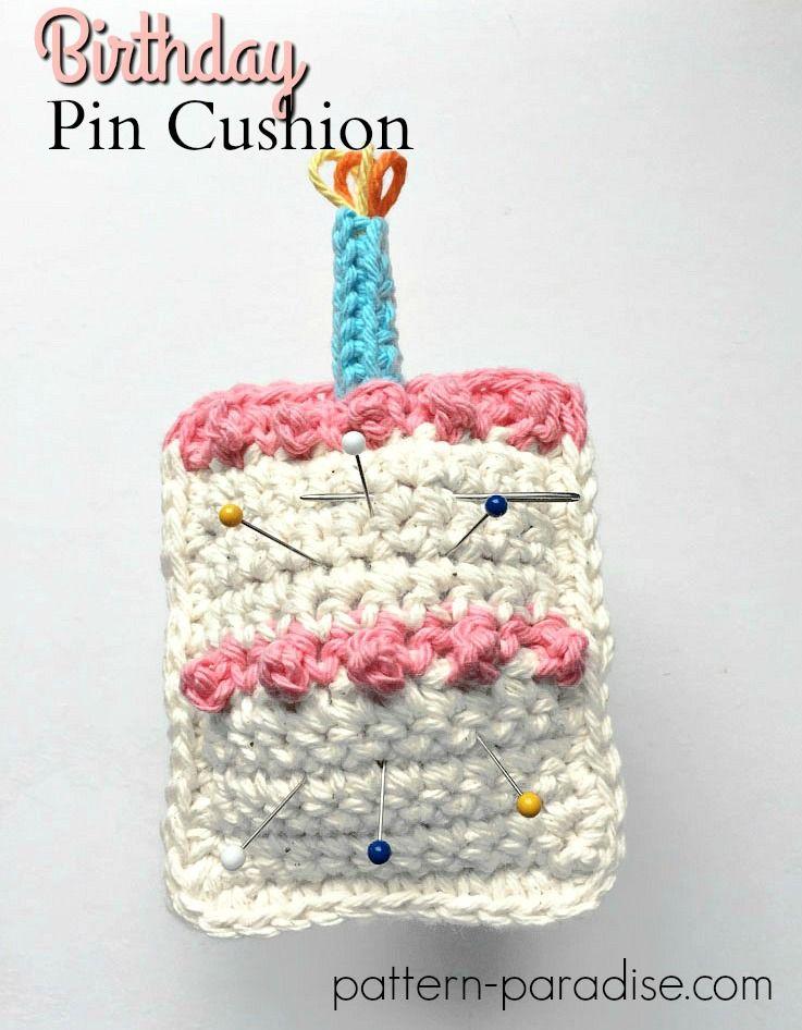 Free Crochet Pattern: Birthday Pin Cushion | Alfileteros, Para el ...