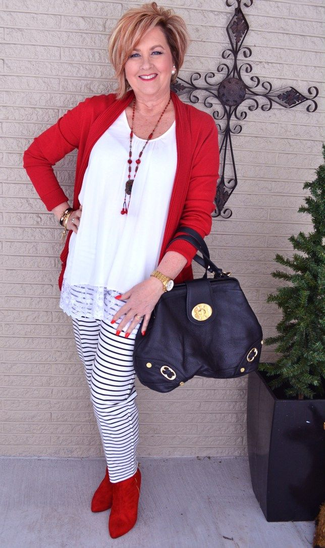 Trends For Spring Summer Clothes For Real Women Over 40: Black & White