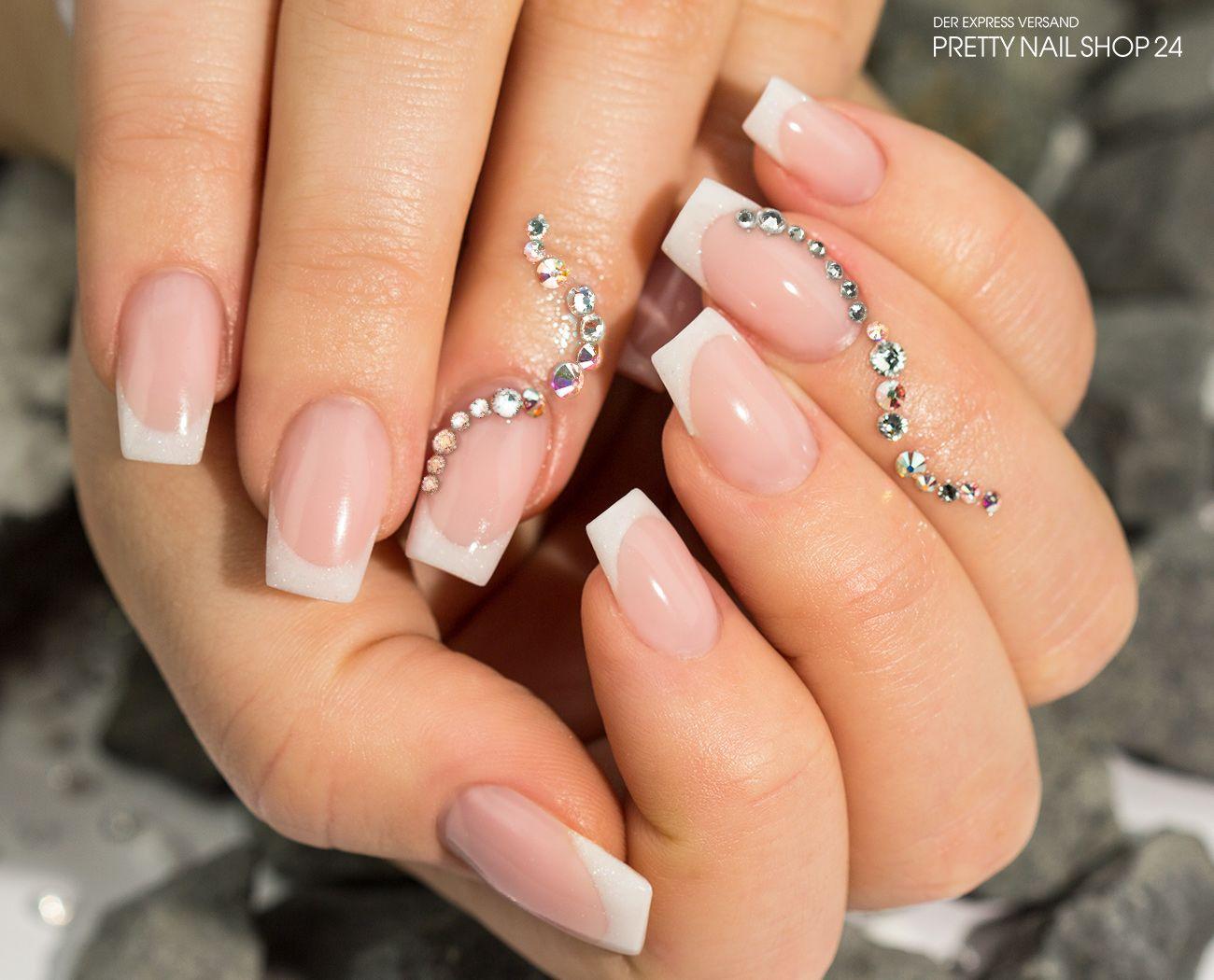 strass #trend #nails #stones Habt Ihr auch schon die neuen ...