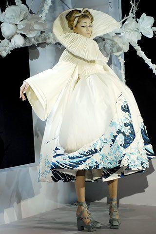 Christian Dior Spring 2007 Couture Fashion Show - Hana Soukupova