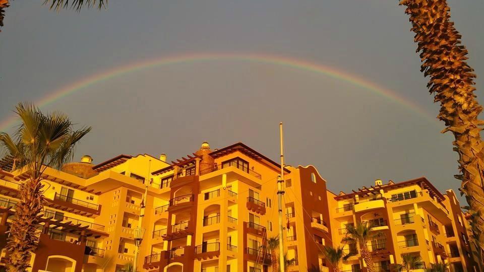 Do you dream of waking up in paradise? #TravelTuesday #Cabo #VillaDelArco #VillagroupResorts #Rainbow #Sunrise