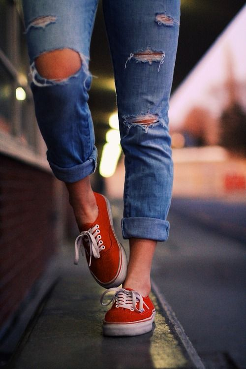 ripped boyfriend jeans and vans | Fashion, Jeans and vans, Style