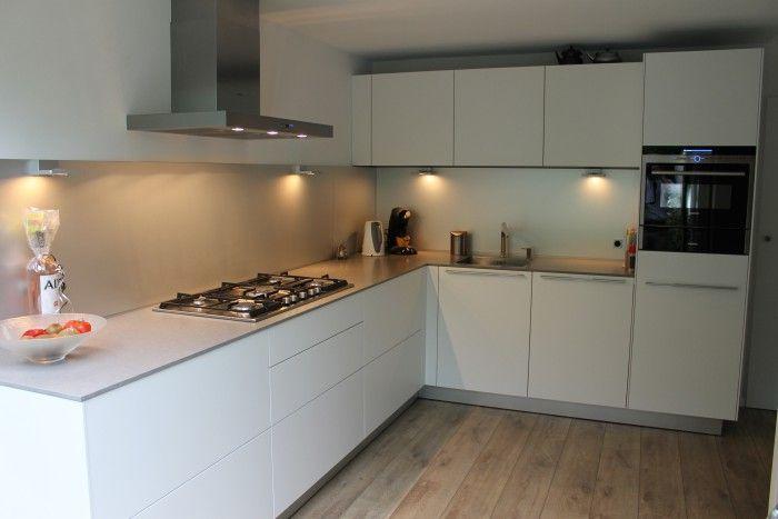 Hoek Keuken Modellen : Bulthaup b hoekkeuken strak eenvoud keukens