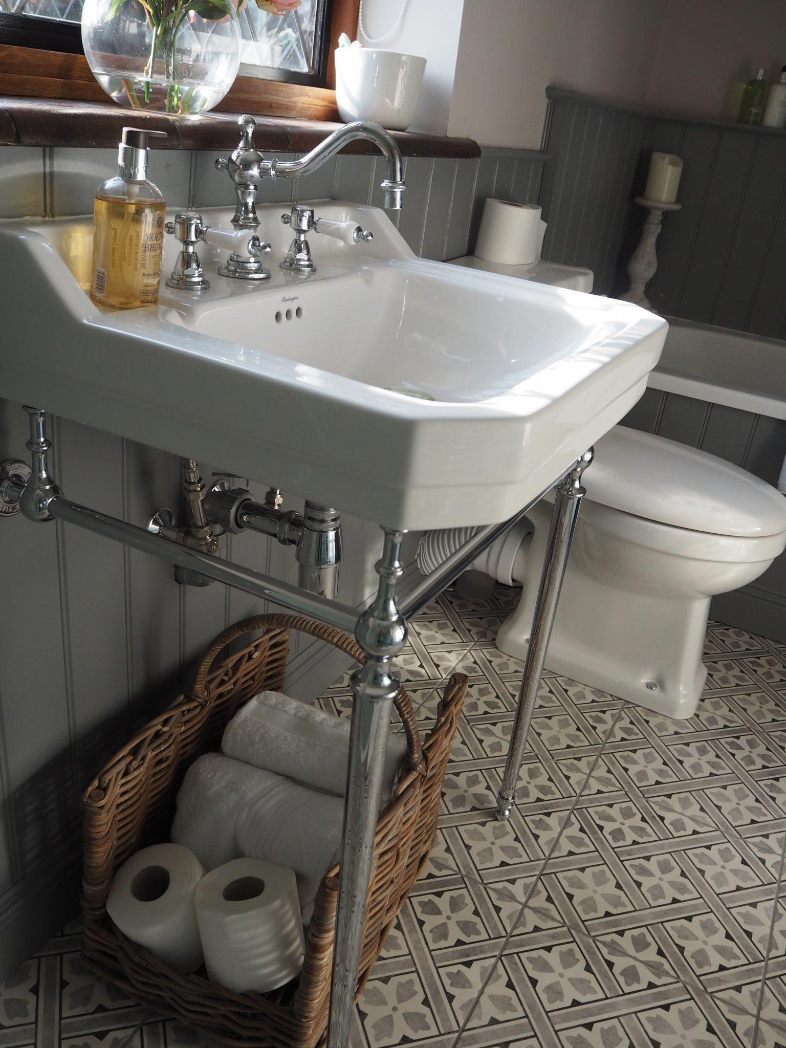 bathroom decor brown and blue #brownthemedbathroom   Brown ...