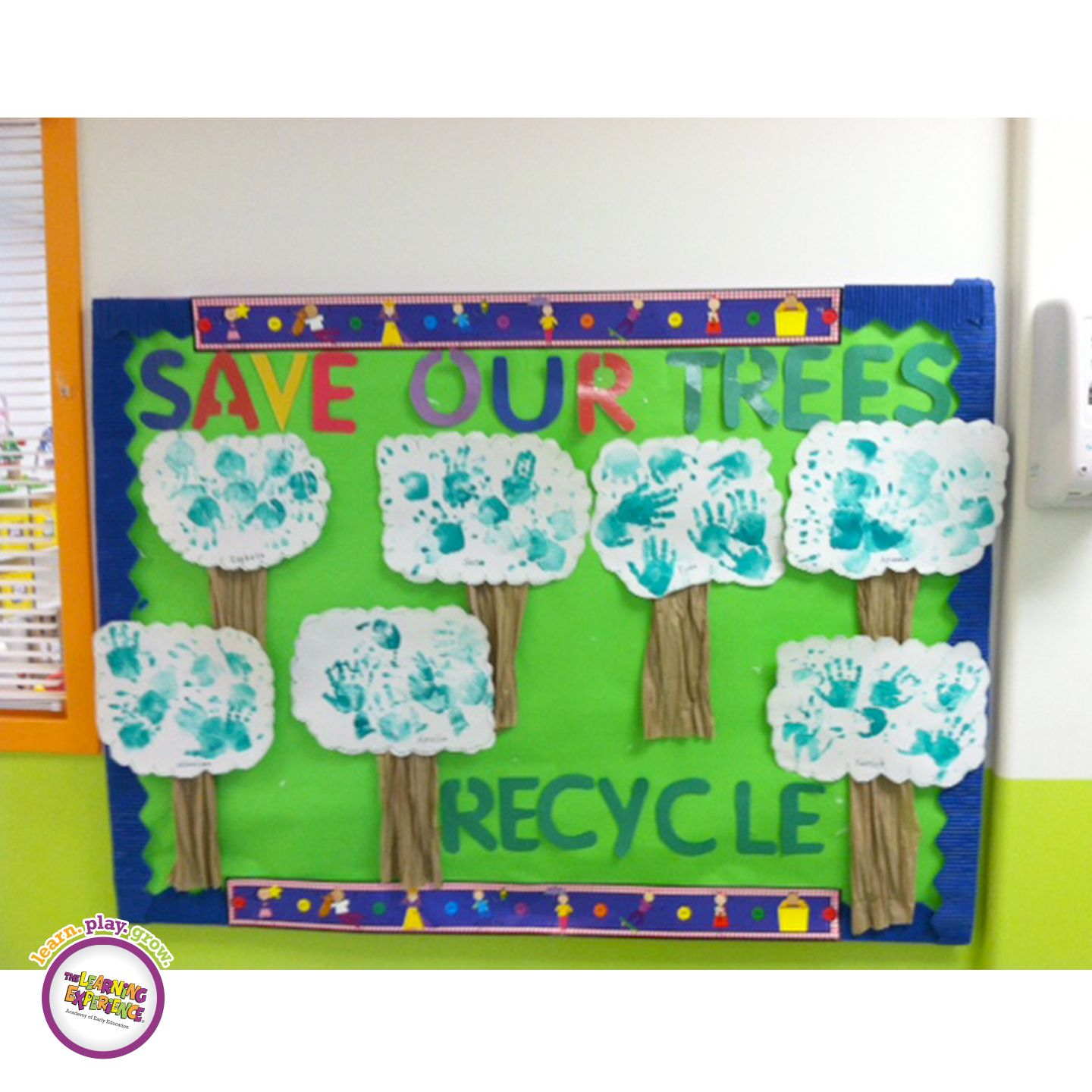 TLE Coral Springs, FL decorated their bulletin board for this month's 'Going Green' curriculum theme!