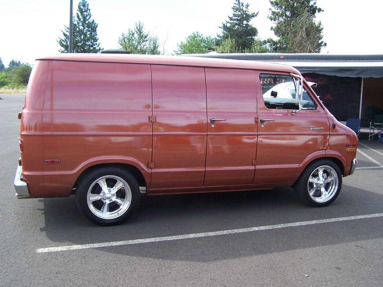 ad6281233a  71- 77 Mopar B-Van Forum - 1972 Dodge B100 Tradesman 100 Van.