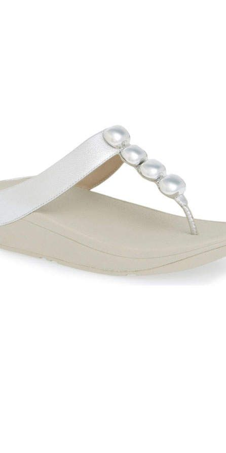 799c8c10370c 8 Flip-Flops With Arch Support You ll Want to Wear All Summer