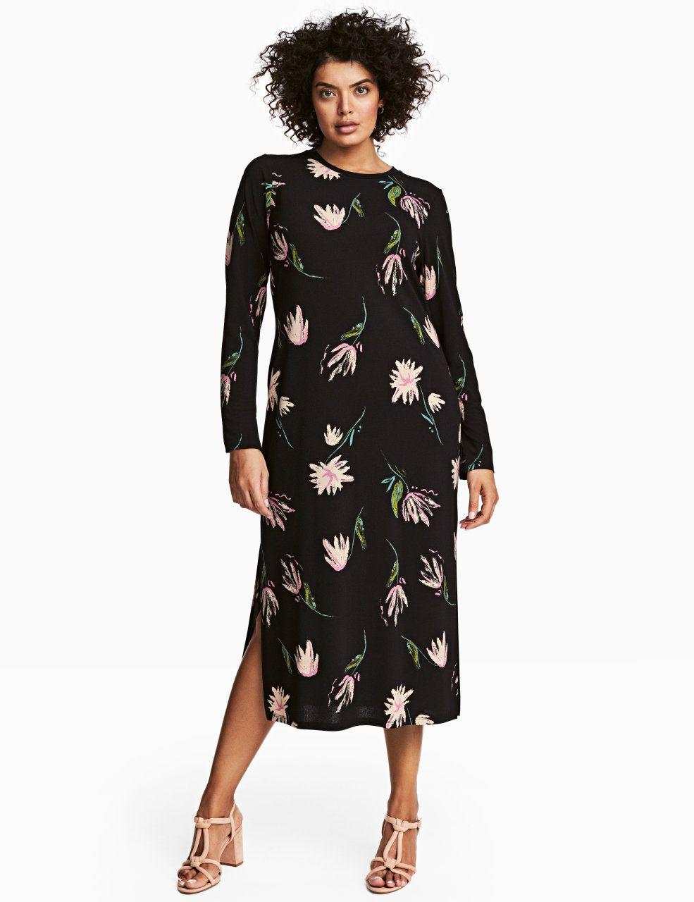 Sjekk ut dette! En trekvartlang kjole i trikot med trykt mønster. Kjolen har lange ermer og splitt i sidene. - Besøk hm.com for å se mer.