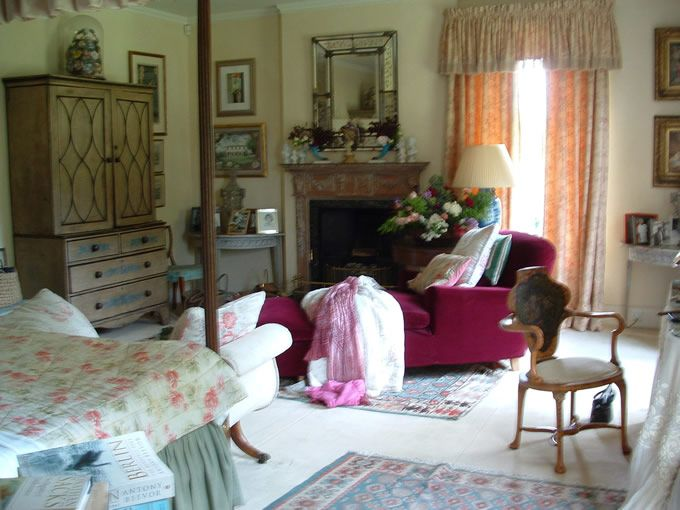 Annabel Elliot Interiors--sister to Camilla Parker Bowles, wife of Prince  Charles