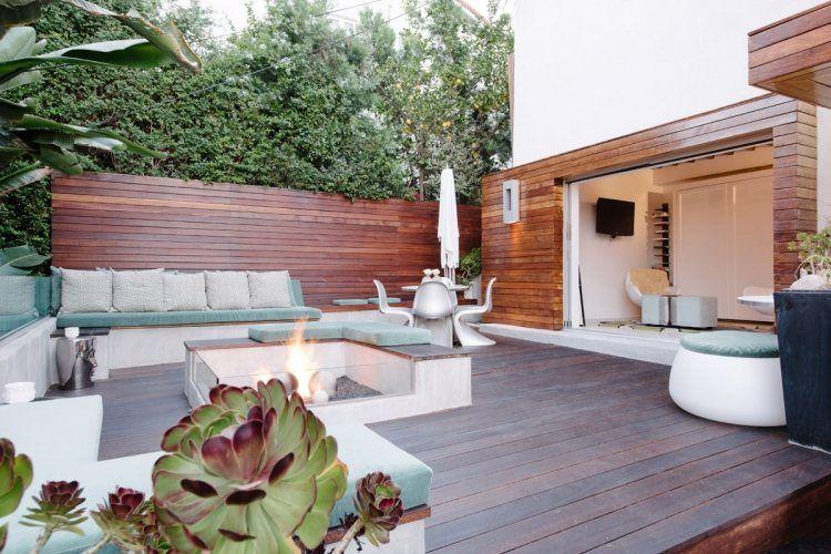 terrassenbelag und sichtschutzzaun aus holz, sitzbank und,