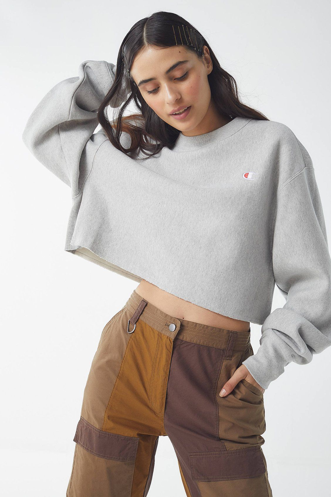 Champion Crew Neck Cropped Sweatshirt Crop Sweatshirt Pullovers Outfit Champion Clothing [ 1692 x 1128 Pixel ]