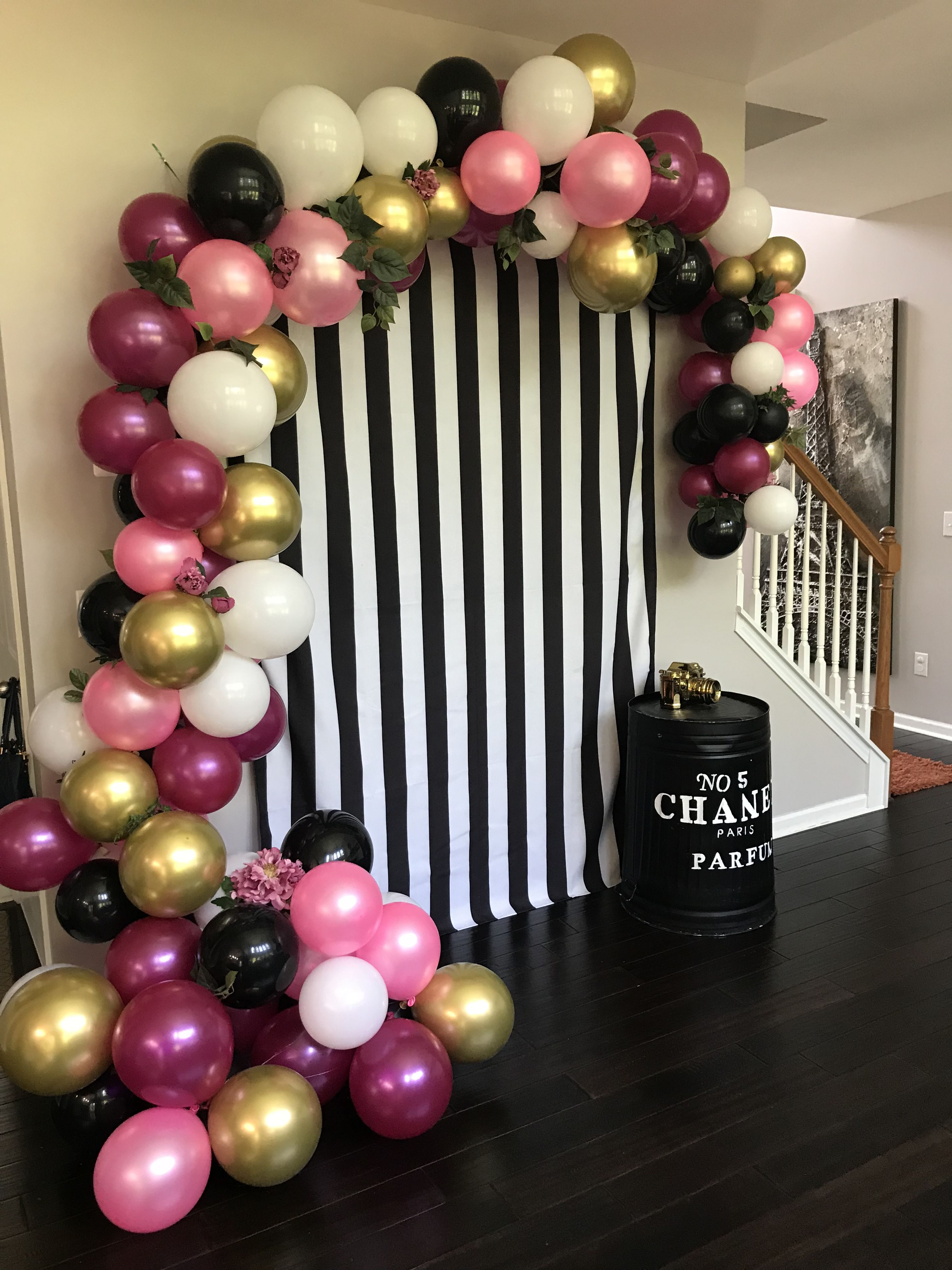Pin By Becki Tate On 40th Bash For Sarah In 2020 Gold Birthday