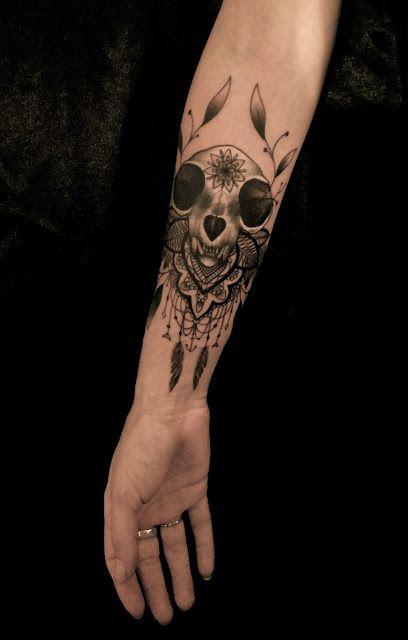 Skull Tattoos by Dodie