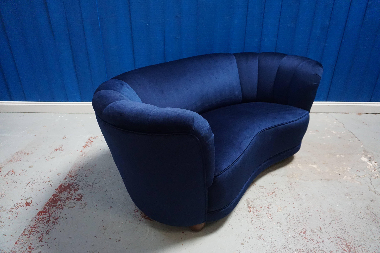 Strange Mid Century Loveseat Danish Banana Sofa In Navy Blue Tweed Uwap Interior Chair Design Uwaporg