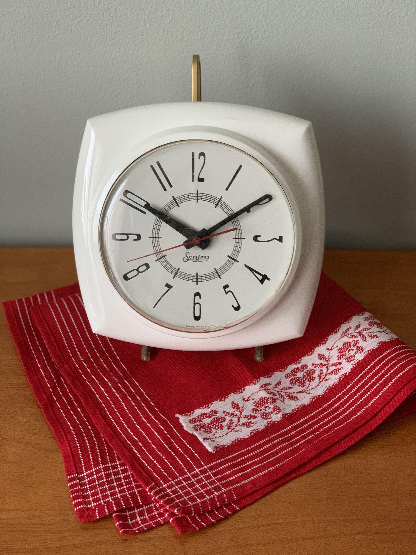 Vintage Wall Clock Retro Sessions Clock Co Made In Usa Etsy Vintage Wall Clock Retro Wall Clock Wall Clock