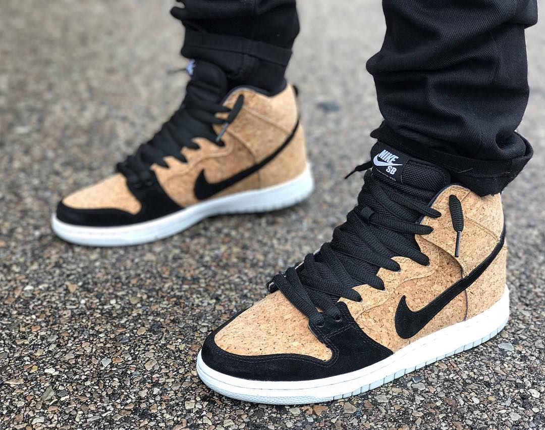buy online f28fb 44698 Nike Dunk High SB Premium